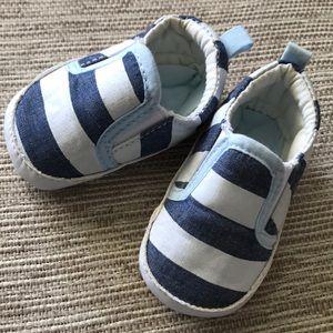 Infant summer slip-ons